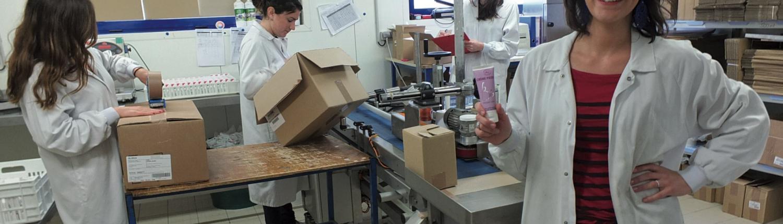Marion et Jérémy Zariffa fabriquent des cosmétiques.